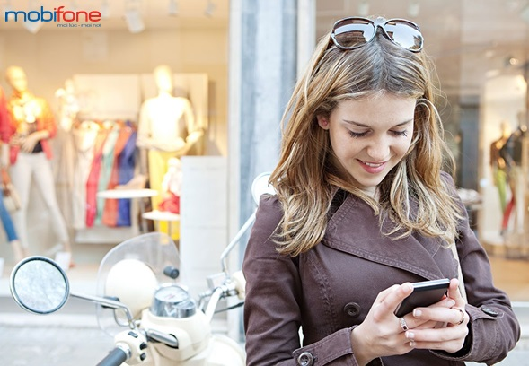 Mobifone khuyến mãi trả sau trong tháng 12/2015