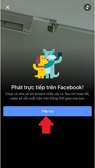 """Trong lúc đăng """"status"""", hãy bấm biểu tượng chia sẻ video trực tiếp."""